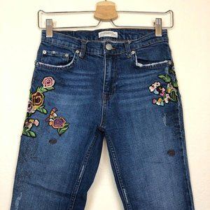 Zara Jeans Fray Cropped Floral Embroidered